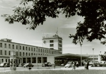 """1954: Neuer Firmenname """"Flughafen Frankfurt/Main AG"""""""
