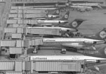 1972: Neues Terminal und Tiefbahnhof eröffnet.